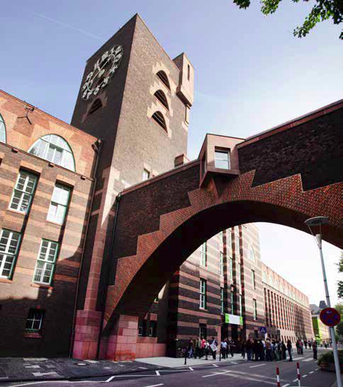 Brücke und Turm wurden zum Firmensignet der Hoechst AG
